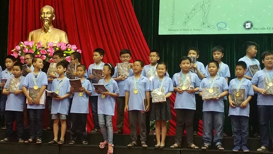 39 học sinh 4, 5, 6, 7 đạt huy chương kỳ thi MYTS (Tìm kiếm tài năng Toán học trẻ) năm 2017
